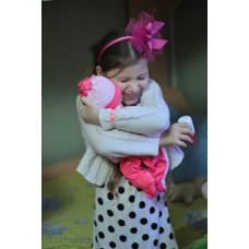 Игрушки глазами детей: «Мишка подарил мне много добра и любви, он учит меня быть мамой»
