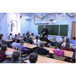 Иерей Михаил Гапоненко: «Убежать от современного общества - в лес?»